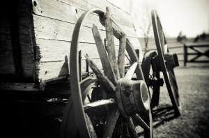 Ophanging op een oude wagen